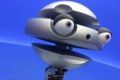 Flash Mk II ma 135 cm wysokości i waży blisko 50 kg. Potrafi mówić w kilkunastu językach
