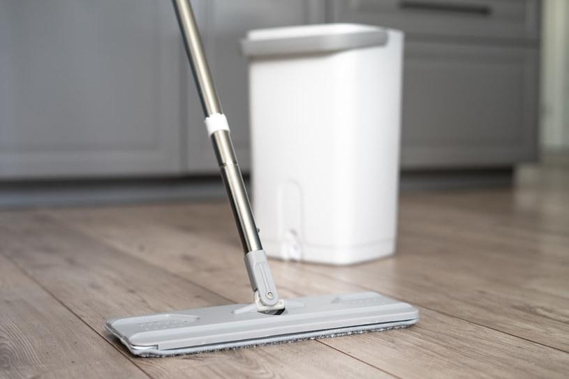 Flat Mop nie pozostawia brudnych smug na podłodze /INTERIA.PL