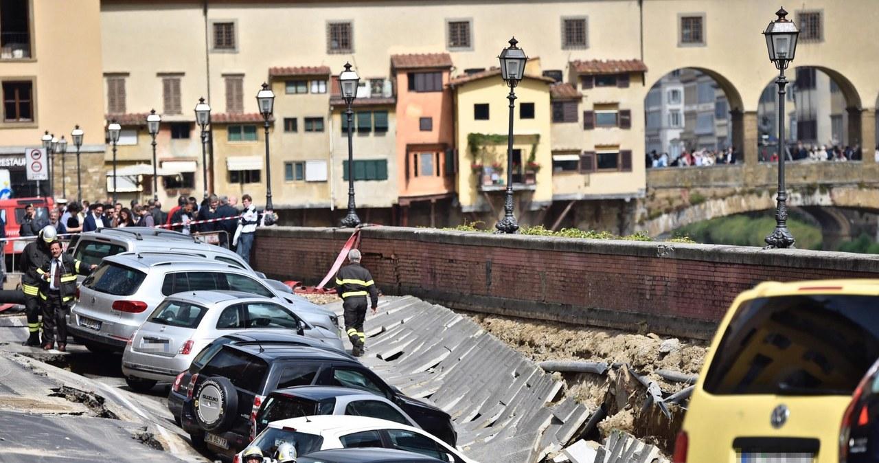 Florencja: Potężna wyrwa w ziemi