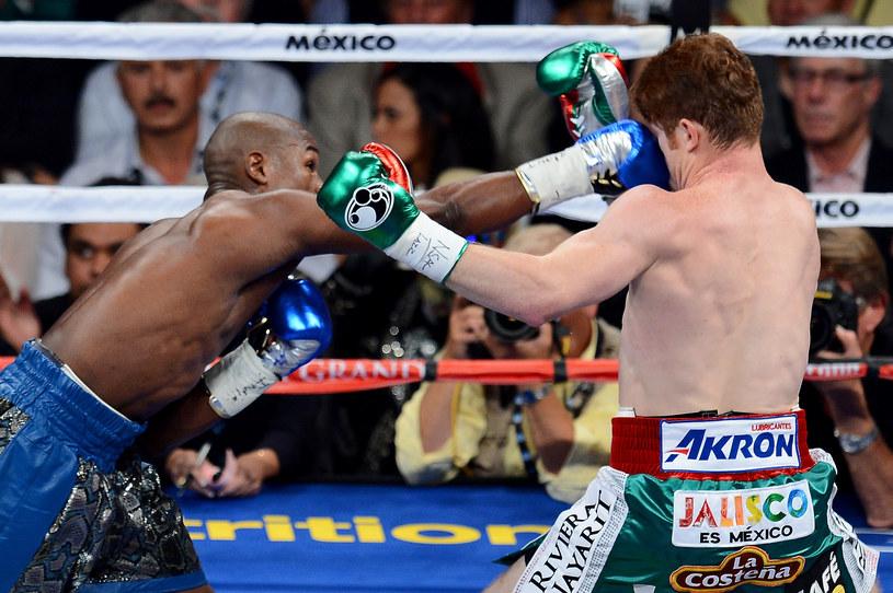 Floyd Mayweather Jr pewnie pokonał Saula Alvareza /AFP