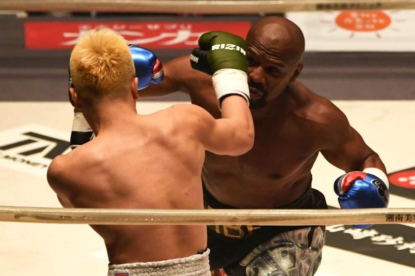 Floyd Mayweather jr w walce z Tenshinem Nasukawą /AFP