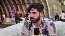 Foals: Aktor omal nie udusił się na planie klipu!