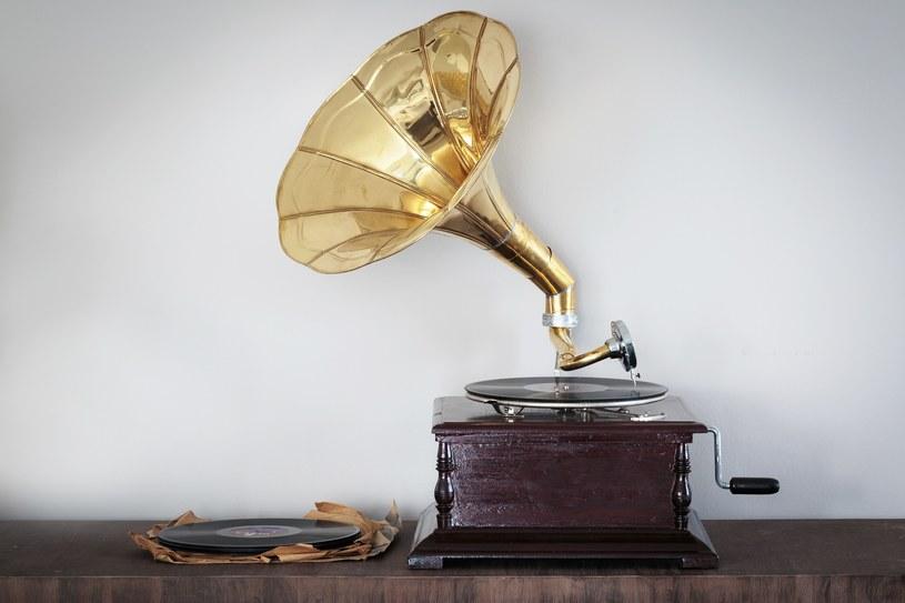 fonograf /materiały prasowe
