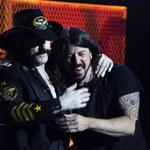 Foo Fighters w hołdzie Lemmy'emu Kilmisterowi. Dave Grohl wspomina mieszkanie legendy