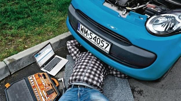 Fora to świetne miejsce dla majsterkowiczów. Znaleźć tam można wskazówki pomocne przy samodzielnych naprawach. /Motor
