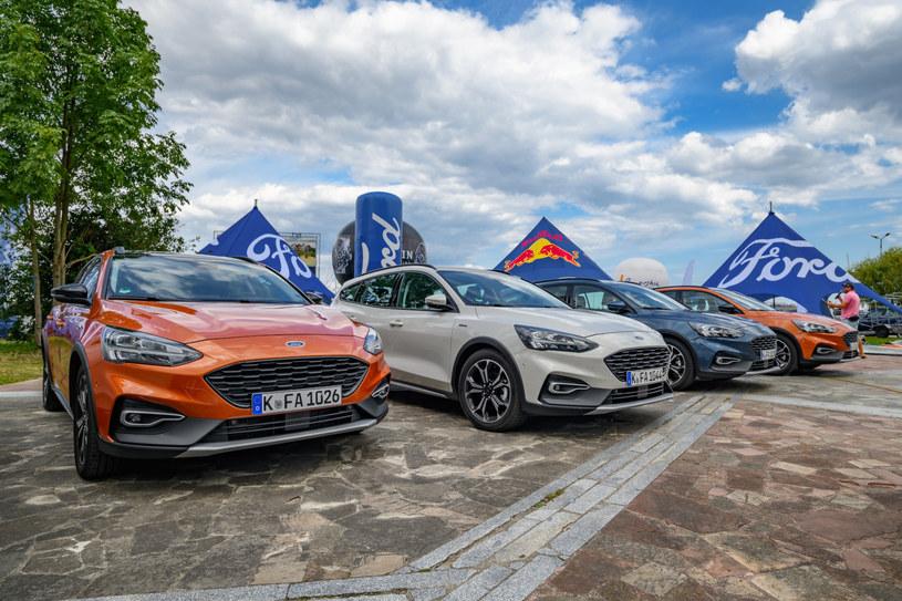 Ford Focus Active - jest wszędzie tam, gdzie czeka przygoda. Był także przy zatoce w Pucku /materiały prasowe