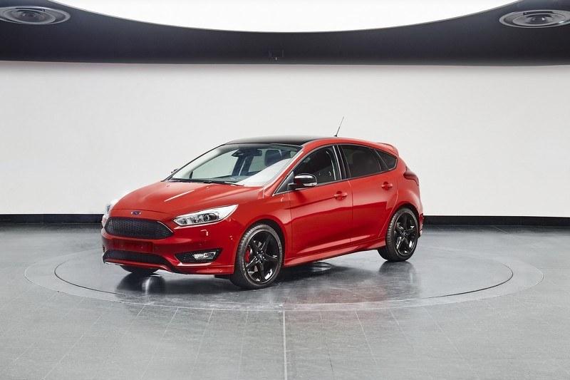 Ford Focus w wersji Black i Red /