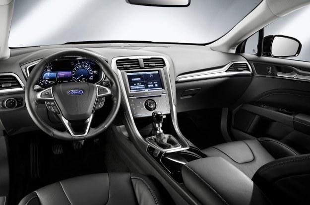 Ford fusion. Wnętrze mondeo będzie zbliżone /