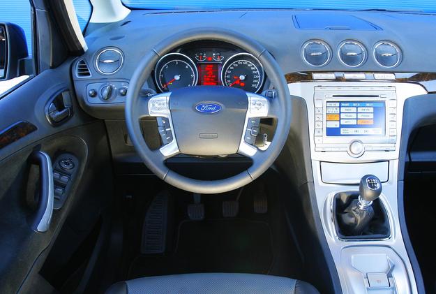 Ford Galaxy deska /Motor