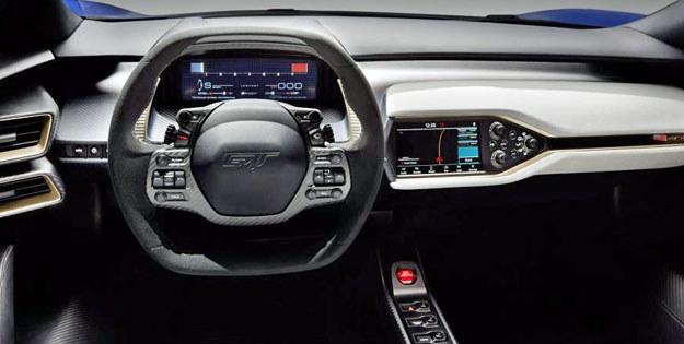 Ford GT, deska rozdzielcza, dzieło Adama Bazydło /