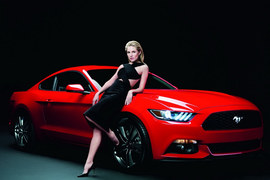 Ford Mustang i Sienna Miller