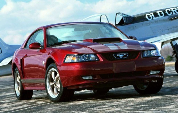 Ford Mustang IV generacji /