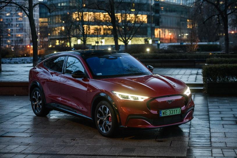 Ford Mustang Mach-E to w Polsce prawdziwy fenomen – 220 przeznaczonych do dystrybucji modeli w naszym kraju znalazło nabywców przed uruchomieniem oficjalnej sprzedaży /materiały prasowe
