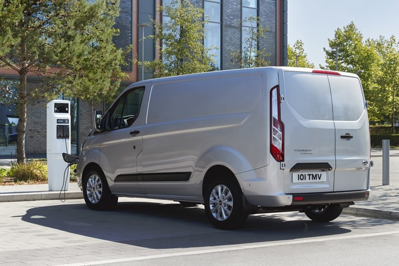 Ford Transit Custom PHEV /