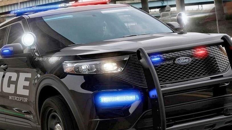 """Ford """"usprawnia"""" samochody policyjne, by chronić policjantów przed CoVID-19 /Geekweek"""