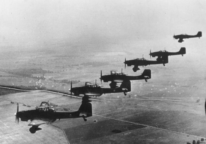 Formacja samolotów Ju-87 nad Polską. Tego typu maszynę zestrzeliła załoga KU-4 /Bundesarchiv /materiały prasowe