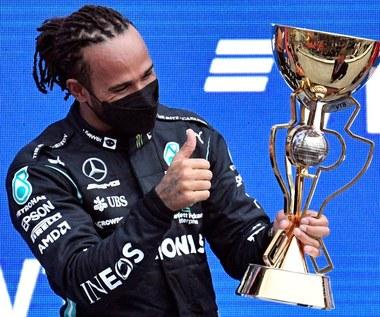 Formuła 1. Lewis Hamilton wykorzystał deszcz