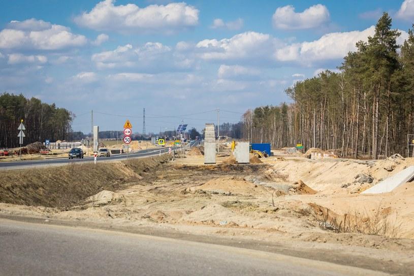 """Formuła """"projektuj i buduj"""" oznacza, że na rozpoczęcie budowy jeszcze poczekamy /Arkadiusz Ziółek /East News"""