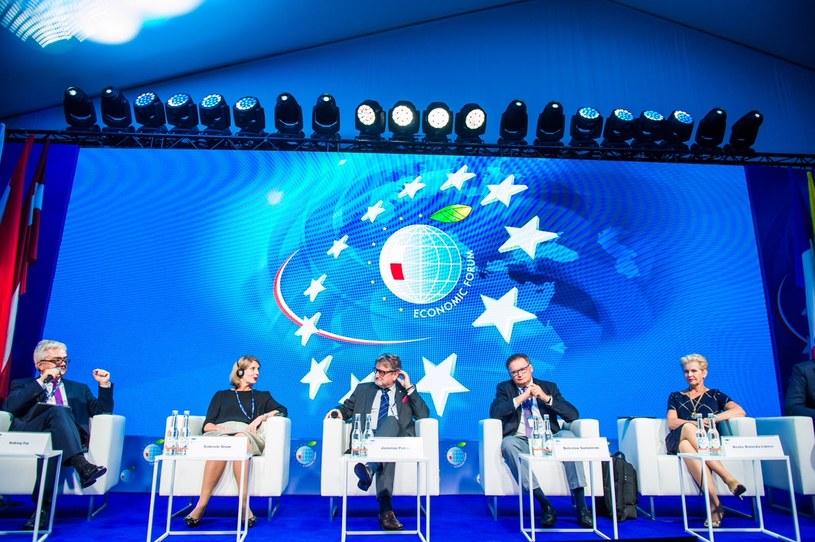 """Forum Ekonomiczne w Krynicy: panel dyskusyjny """"Zdrowie publiczne – dlaczego wciąż lepiej leczymy, niż zapobiegamy?"""", /&nbsp"""