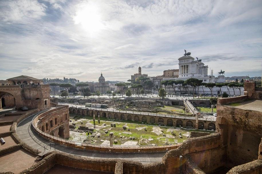 Forum Trajana - jedna z atrakcji turystycznych w Rzymie /ALESSANDRO DI MEO    /PAP/EPA