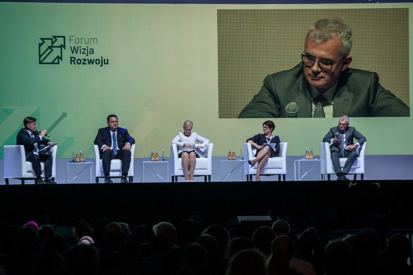 """Forum Wizja Rozwoju 2019, debata """"Czynniki stymulujace inwestycje"""" /INTERIA.PL"""