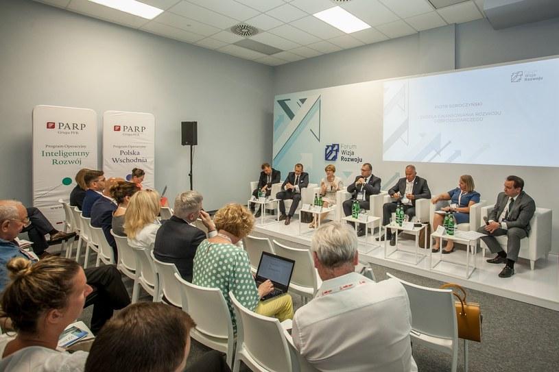 """Forum Wizja Rozwoju 2019 , debata """"Źródła finansowania rozwoju gospodarczego"""" /INTERIA.PL"""