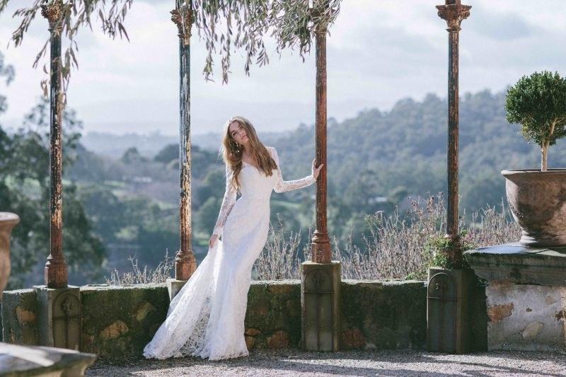 Fot. Katie Grant/ model India /Magazyn Wesele