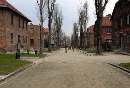 Muzeum Auschwitz Opublikowało Wiersze Byłej Więźniarki