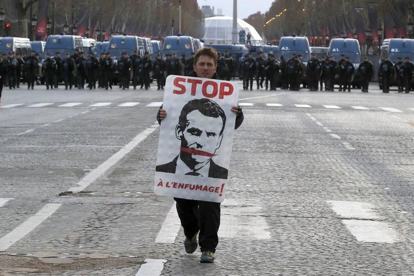 Fot. z protestów w Paryżu /Associated Press /East News