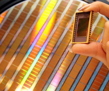 Fotoniczne układy coraz bliżej rynkowego debiutu