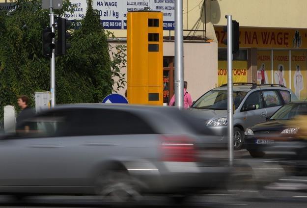Fotoradary są niegroźne dla samochodów na obcych numerach / Fot: Stanisław Kowalczuk /East News