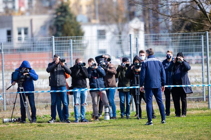 Fotoreporterzy na treningu Lecha Poznań /PRZEMYSLAW SZYSZKA/CYFRASPORT / NEWSPIX.PL /Newspix