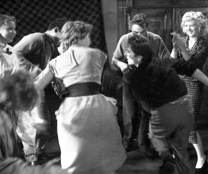 """Fotos z filmu """"Koniec nocy"""" (1956) /East News/POLFILM"""
