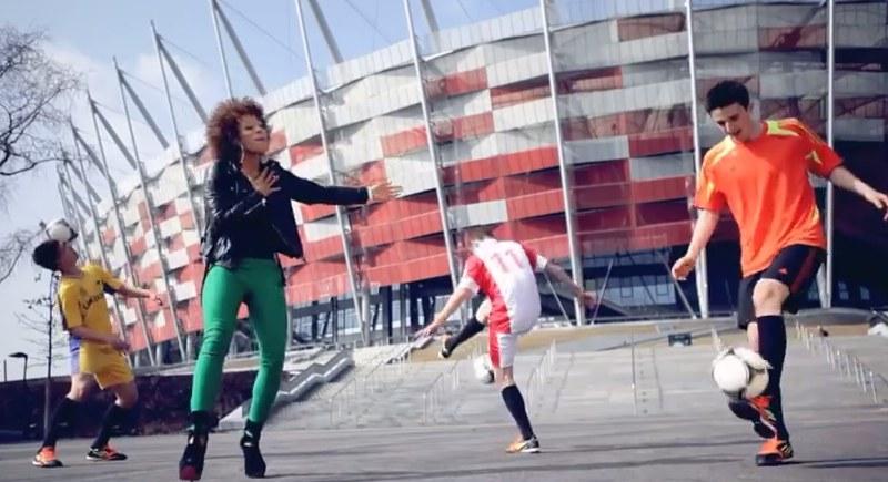 Fragment piosenki na Euro 2012, którą śpiewała Oceana /Oceanaofficial /YouTube