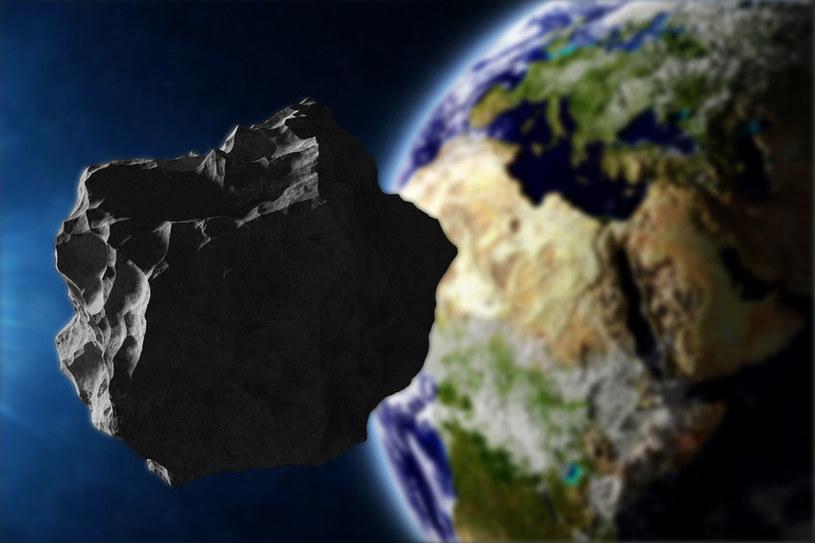 Fragmenty komety Enckego mogą stanowić bardzo poważne zagrożenie dla Ziemi /123RF/PICSEL