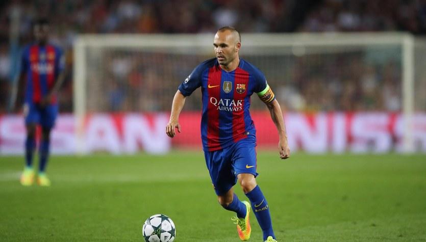 """""""France Football"""" ubolewa, że Iniesta nigdy nie otrzymał Złotej Piłki"""