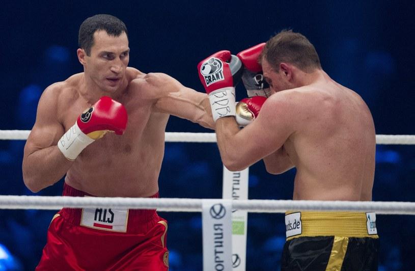 Francesco Pianeta nie miał żadnych argumentów w pojedynku z mistrzem /PAP/EPA