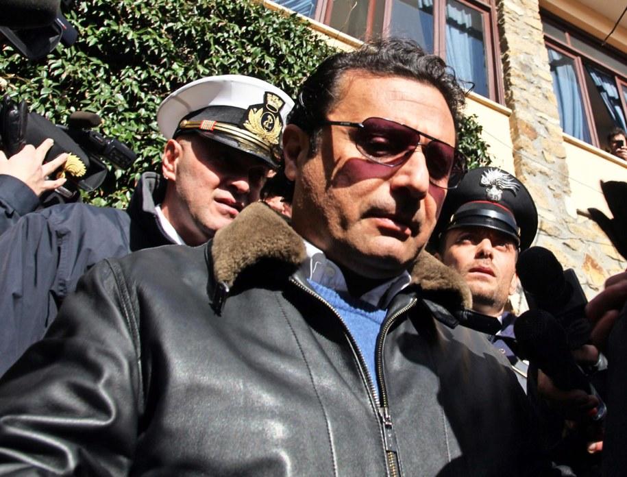 Francesco Schettino w drodze na rozprawę /MAURIZIO DEGL' INNOCENTI /PAP/EPA