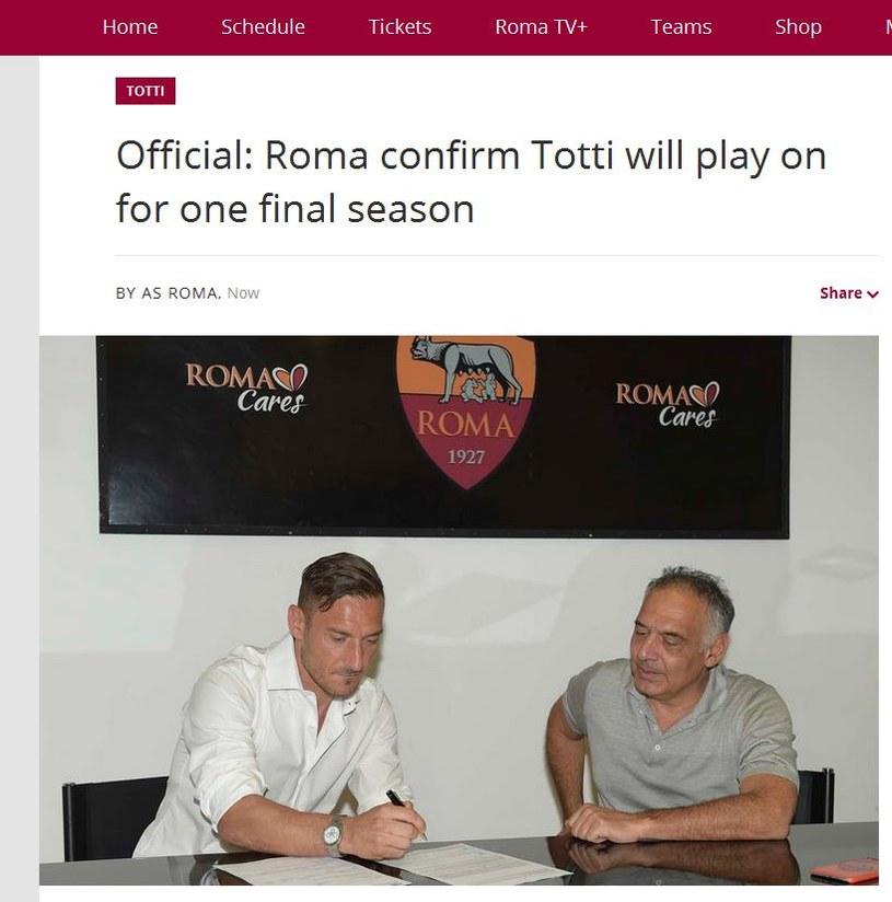 Francesco Totti podpisuje kontrakt z Romą; źródło: asroma.com /