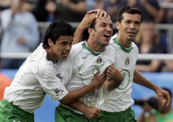 Francisco Fonseca (w środku) zapewnił Meksykowi wygraną nad Japonią /AFP