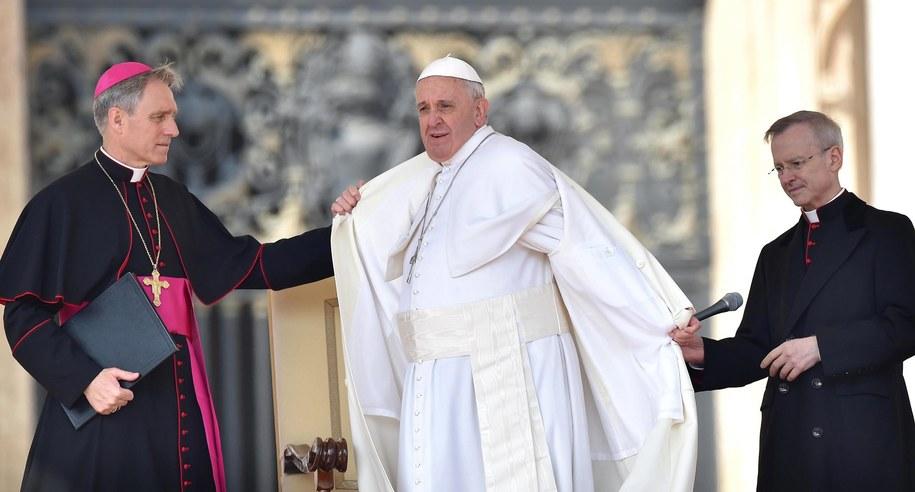 Franciszek apeluje o solidarność z ludźmi starszymi /ETTORE FERRARI /PAP/EPA