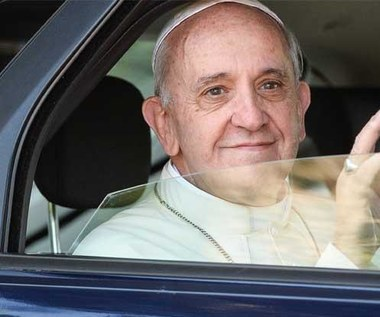Franciszek nie chce jeździć limuzyną