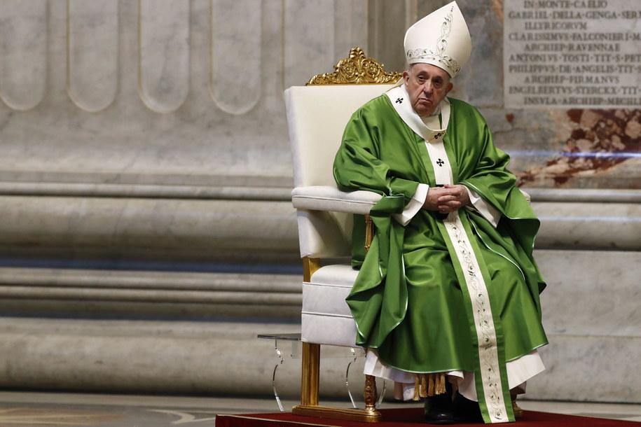 Franciszek: W czasach niepewności nie dajmy się zarazić obojętnością /REMO CASILLI / POOL / AFP /PAP/EPA