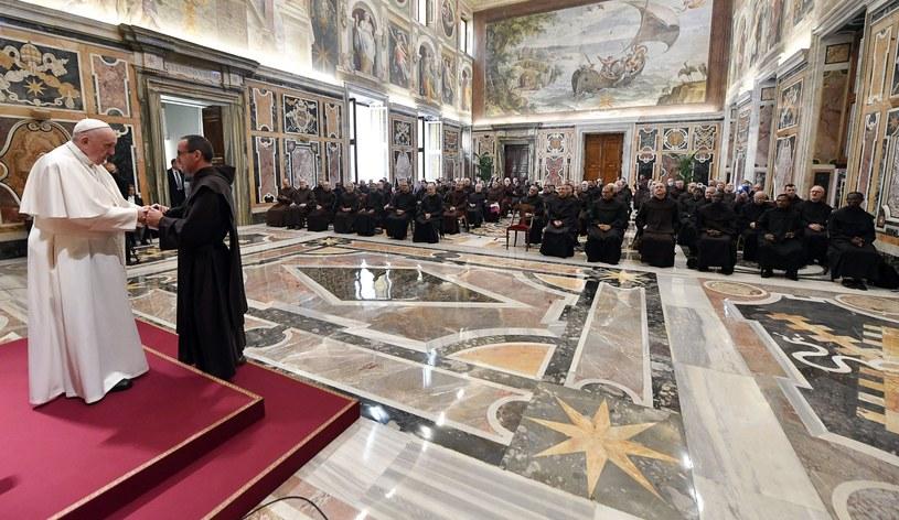 Franciszek w czasie audiencji dla zakonników w Watykanie /PAP/EPA/VATICAN MEDIA HANDOUT /PAP