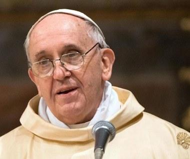 Franciszek: Zamiast przyjeżdżać do Rzymu, pomóżcie biednym