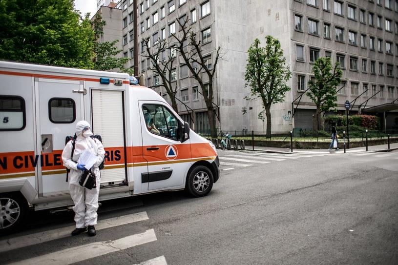 Francja: 547 nowych zgonów z powodu zakażenia koronawirusem; łącznie ponad 20 tys. /CHRISTOPHE PETIT TESSON /PAP/EPA