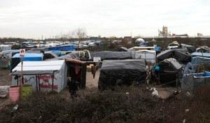 """Francja: Ewakuacja części """"dżungli"""" pod Calais odroczona"""