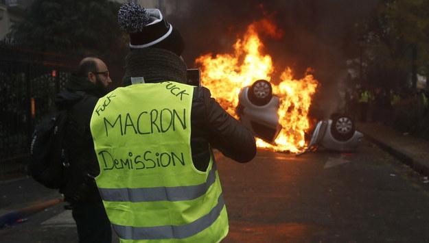 """Francja: Kolejne ustępstwa rządu wobec """"żółtych kamizelek"""""""