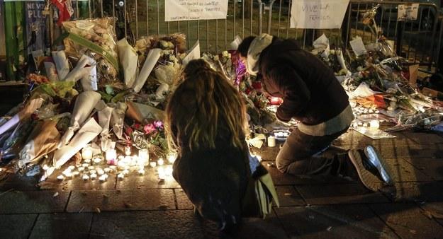 Francja pogrążona w żałobie /JULIEN WARNAND /PAP/EPA