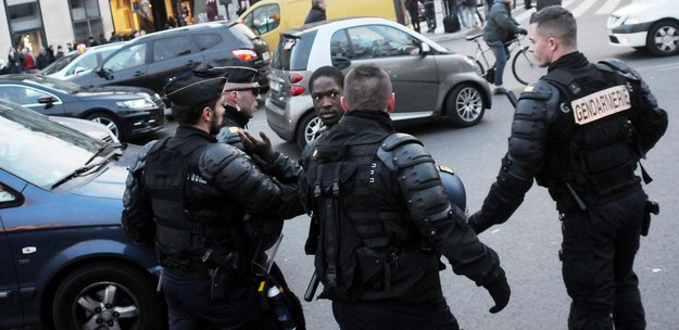 Francja: W koszu na śmieci znaleziono pas szahida? Są sugestie, że należał do Salaha Abdeslama